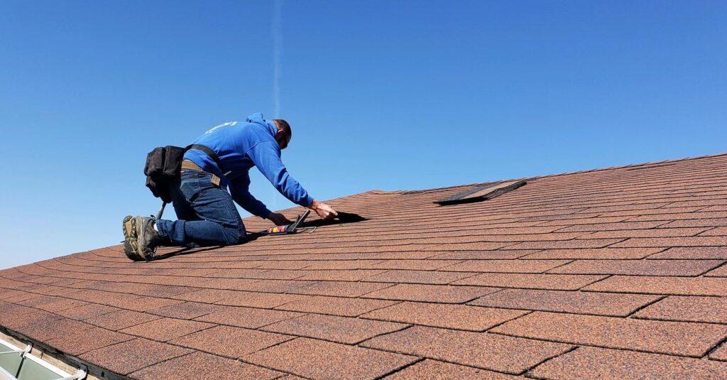 Roof maintenance before winter